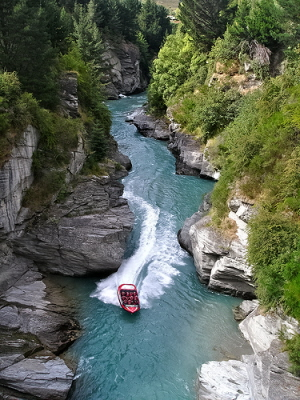 jet boating in Queenstown, jet boating in New Zealand